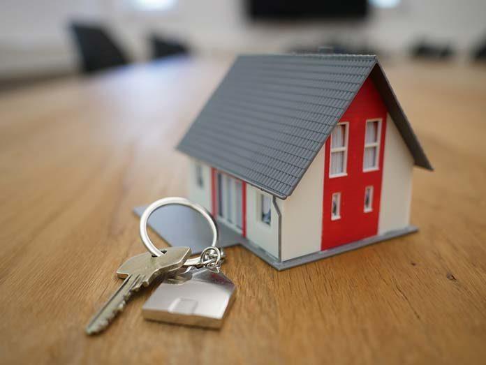 Sprzedaż domu – czy pora roku ma znaczenie?